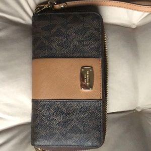 Michael Kohrs wallet/wristlet
